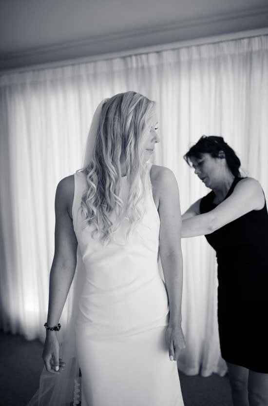 Kim helps Abbey with her veil