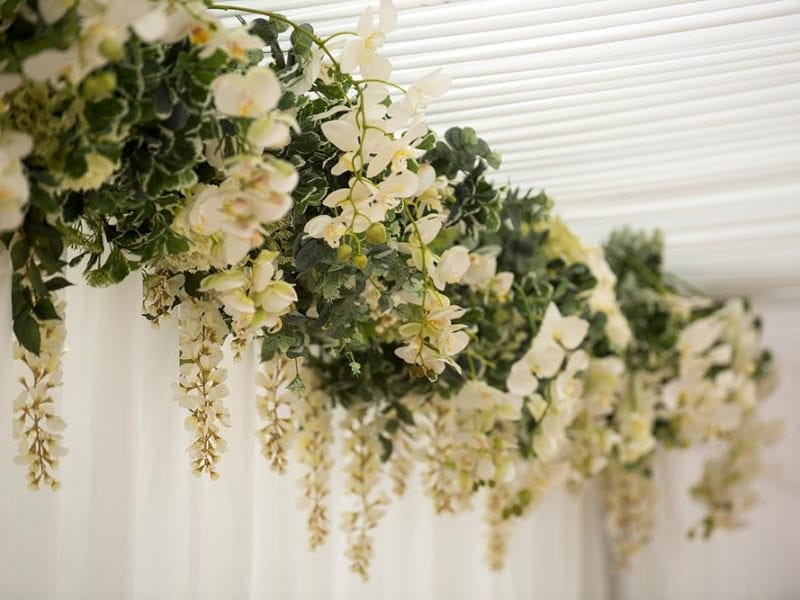 Head table feature flowers